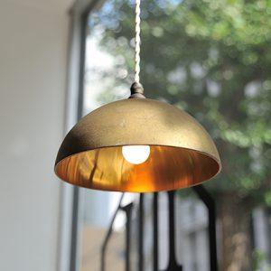 真鍮のペンダントランプ「鋳肌」